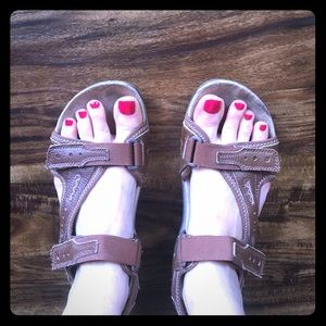 Earth 🌍 Spirit 🌍 Leather Walking Sandals size 9